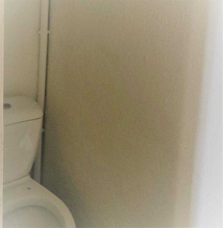 Appartement à louer 1 29.5m2 à Six-Fours-les-Plages vignette-7