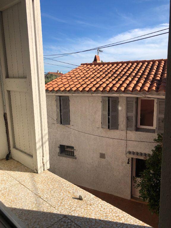 Appartement à louer 1 29.5m2 à Six-Fours-les-Plages vignette-9