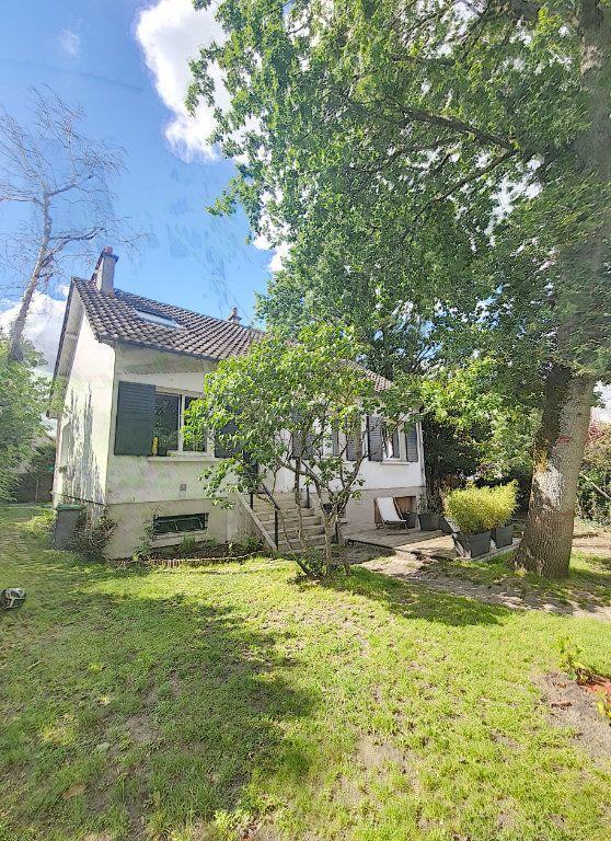 Maison à vendre 7 170m2 à Rambouillet vignette-1