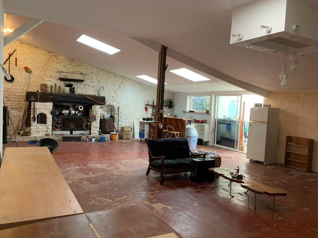 Maison à vendre 3 178m2 à Pouant vignette-2