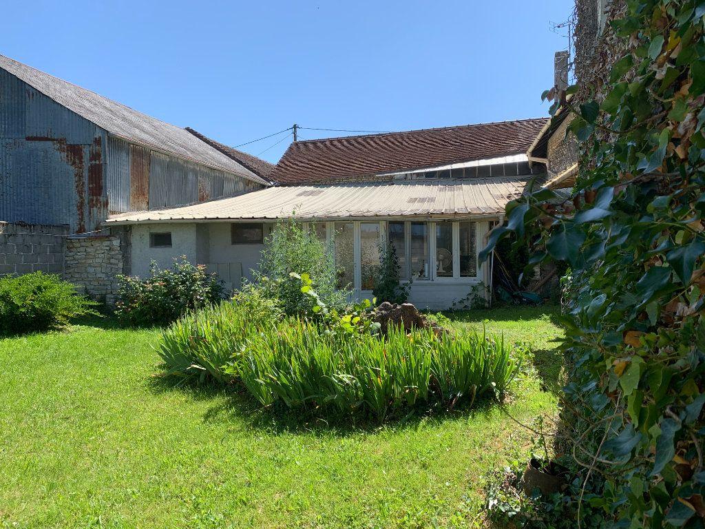 Maison à vendre 3 178m2 à Pouant vignette-4