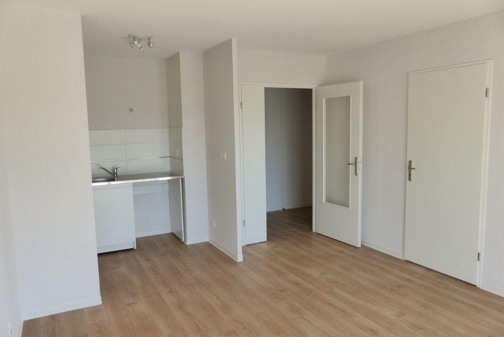 Appartement à louer 2 40.45m2 à Chenôve vignette-7