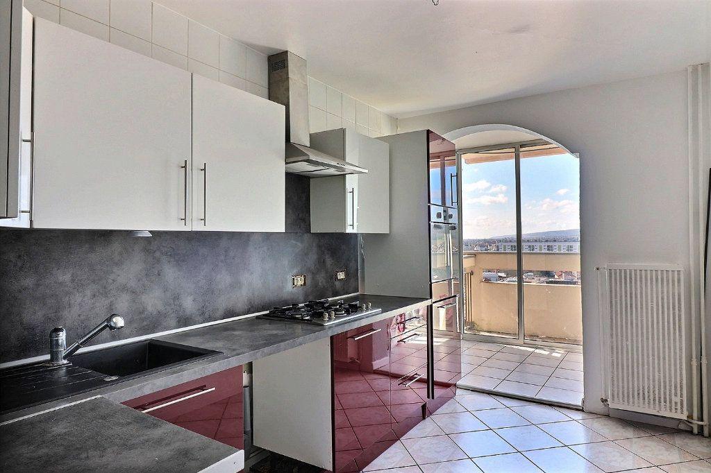 Appartement à vendre 5 91.64m2 à Chenôve vignette-1