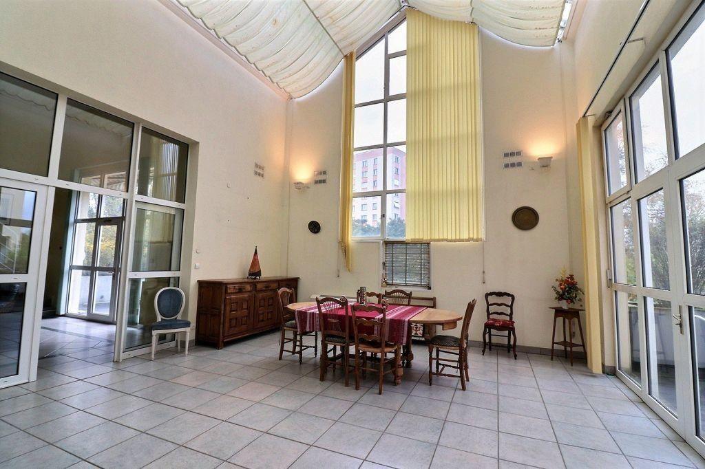 Appartement à vendre 5 157.12m2 à Dijon vignette-2