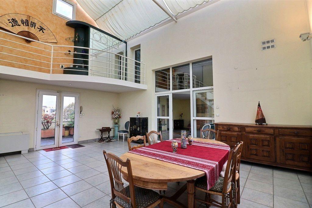 Appartement à vendre 5 157.12m2 à Dijon vignette-3