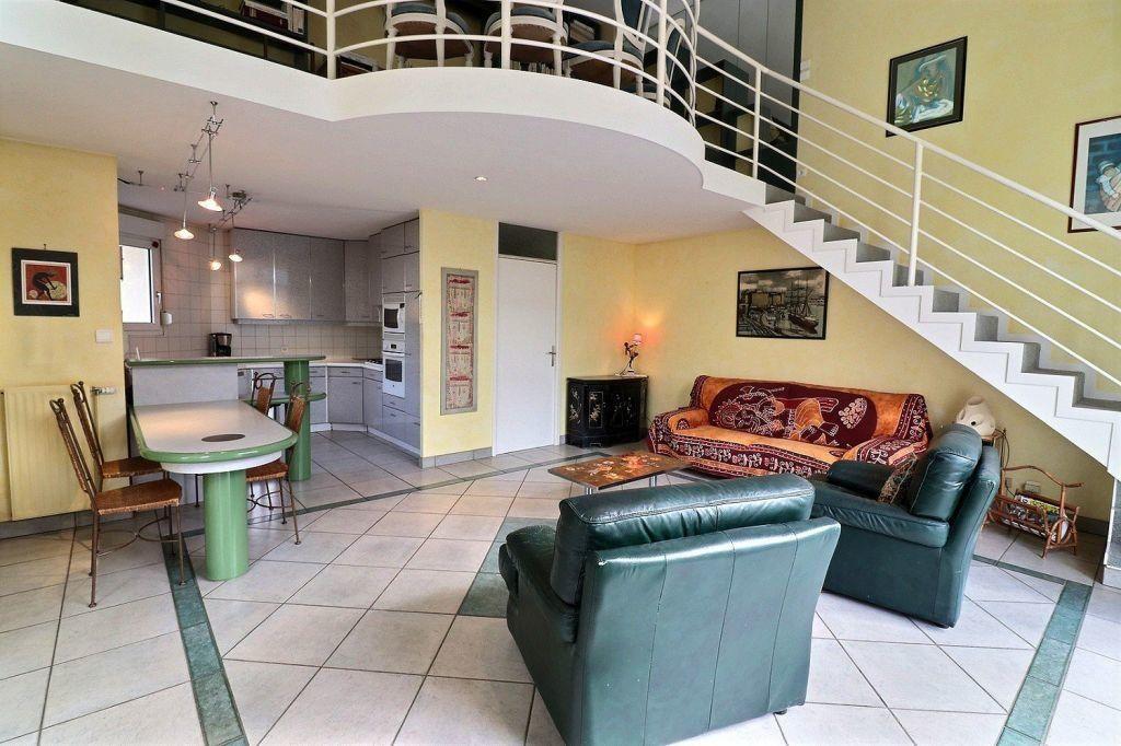 Appartement à vendre 5 157.12m2 à Dijon vignette-4