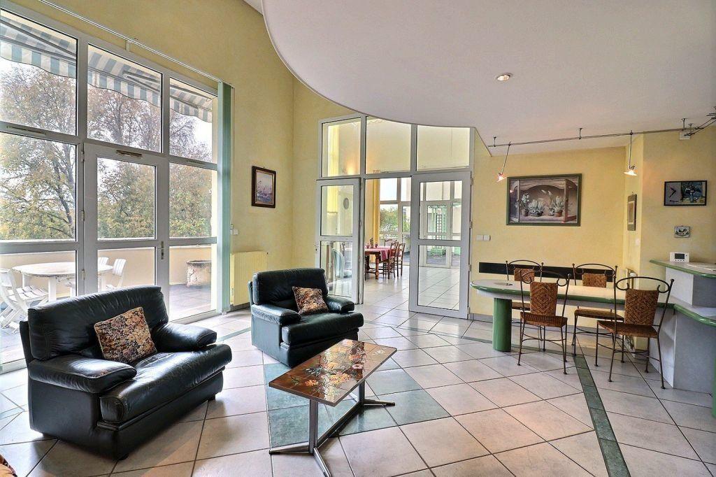 Appartement à vendre 5 157.12m2 à Dijon vignette-5