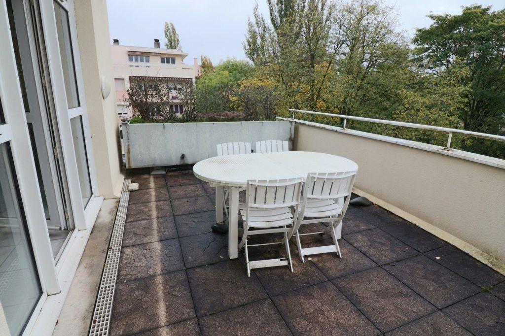 Appartement à vendre 5 157.12m2 à Dijon vignette-6