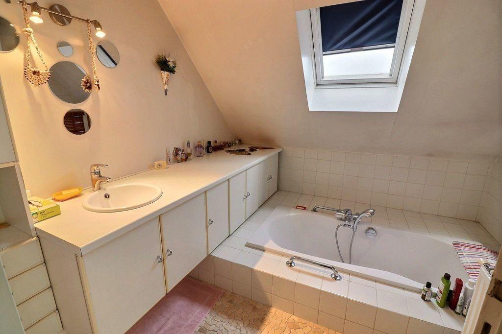 Appartement à vendre 5 157.12m2 à Dijon vignette-8