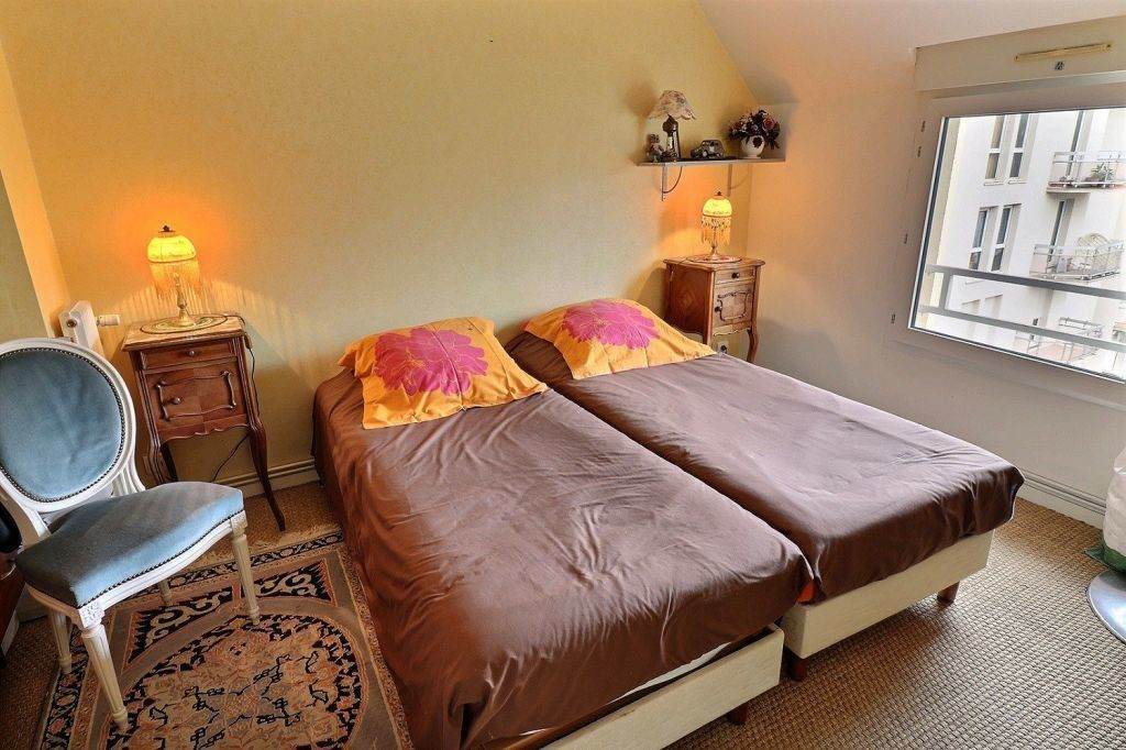 Appartement à vendre 5 157.12m2 à Dijon vignette-9
