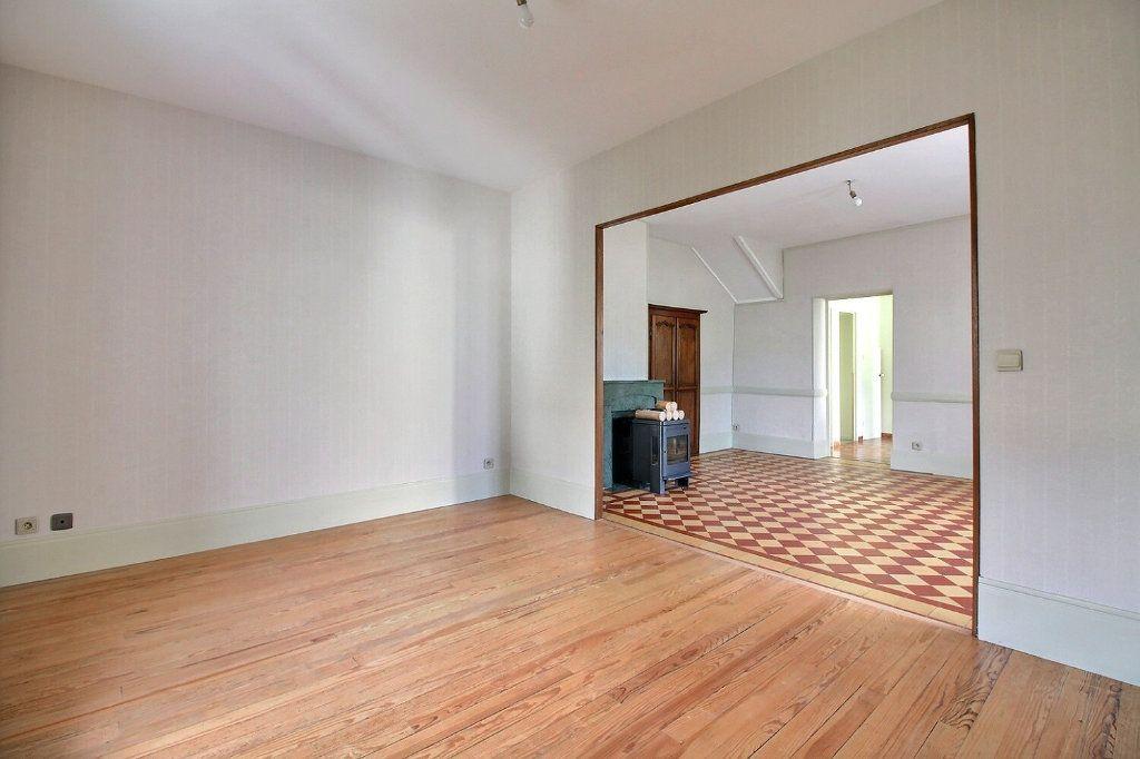 Maison à vendre 4 111m2 à Genlis vignette-1