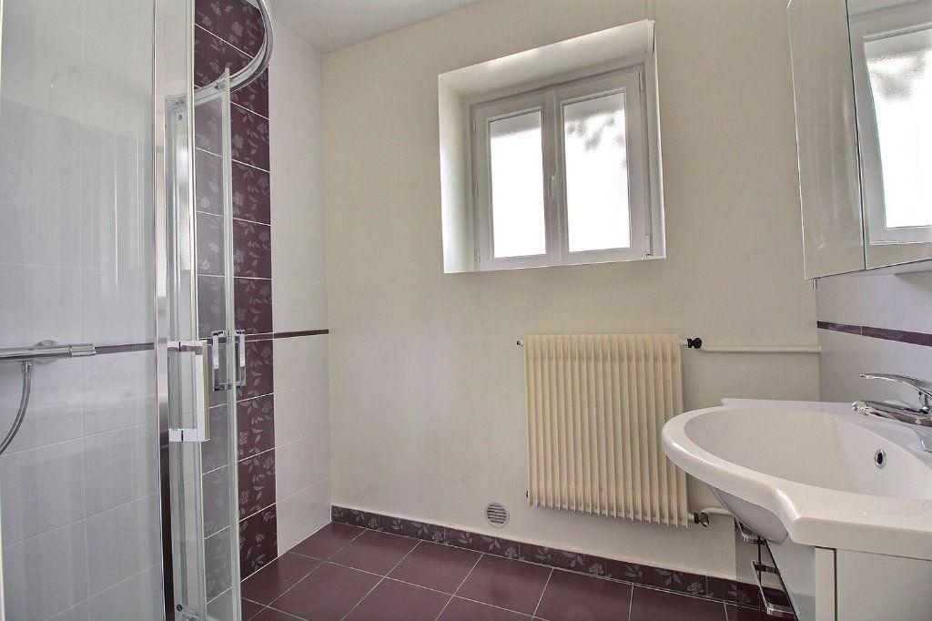 Maison à vendre 4 111m2 à Genlis vignette-6
