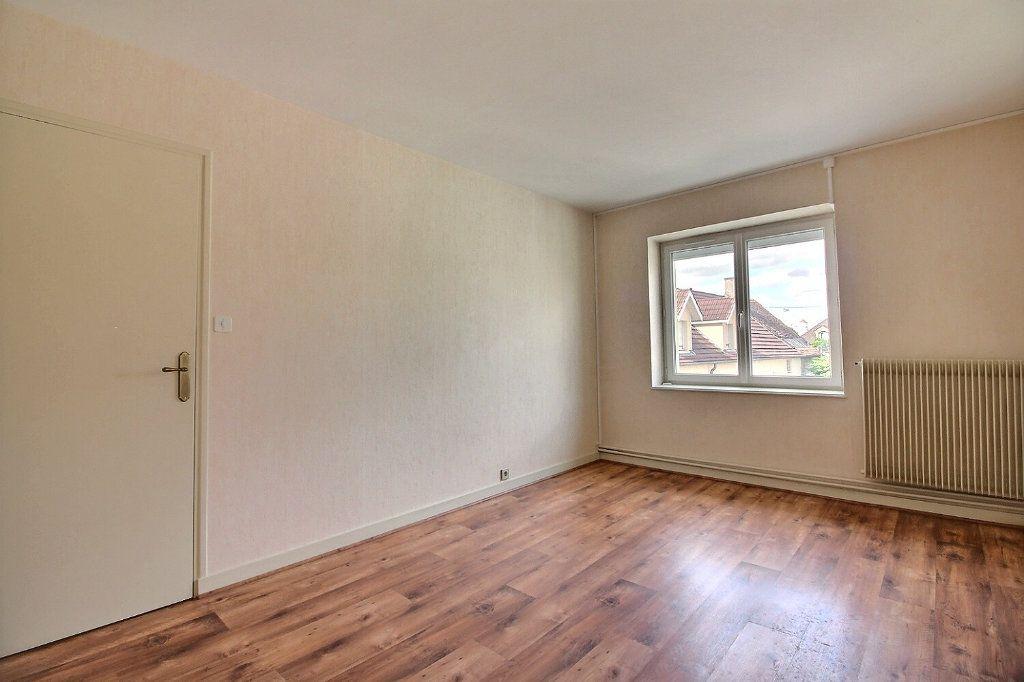 Maison à vendre 4 111m2 à Genlis vignette-9