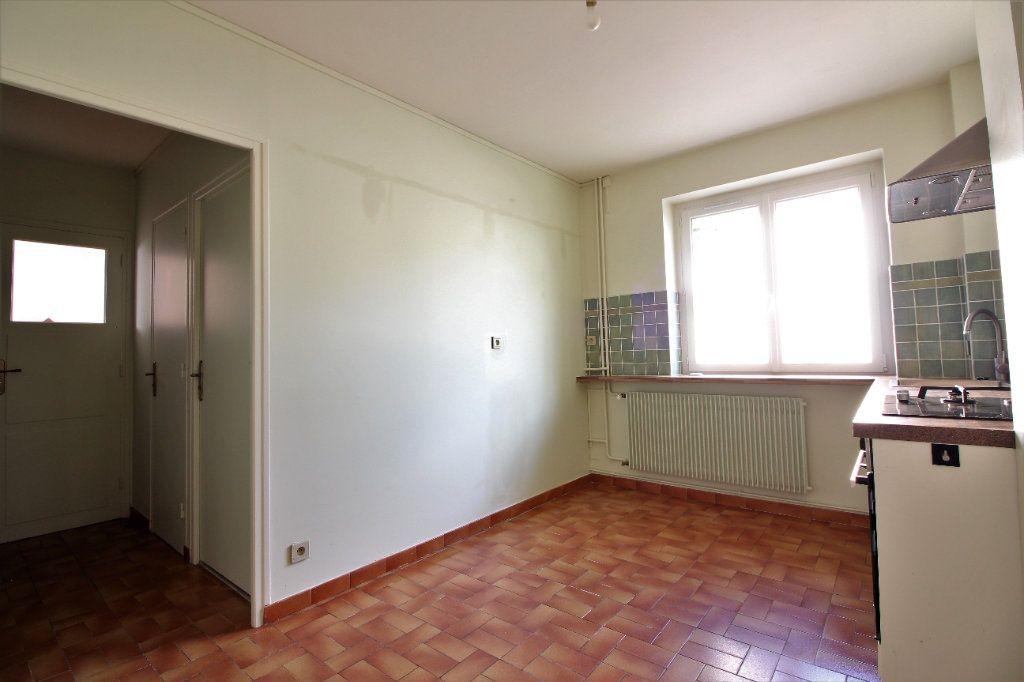 Maison à vendre 4 111m2 à Genlis vignette-11