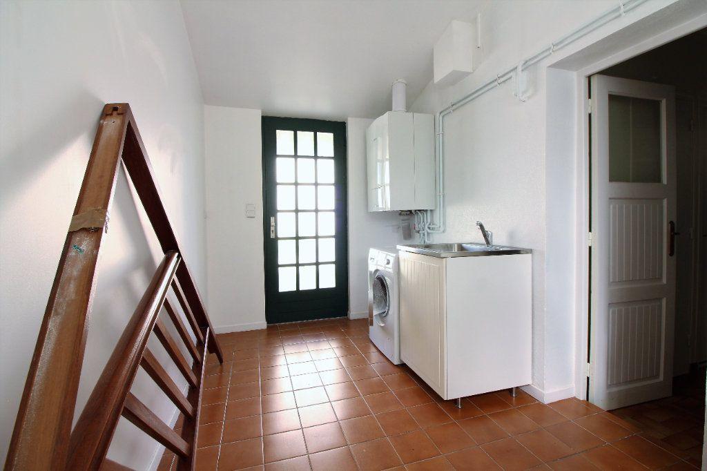 Maison à vendre 4 111m2 à Genlis vignette-12