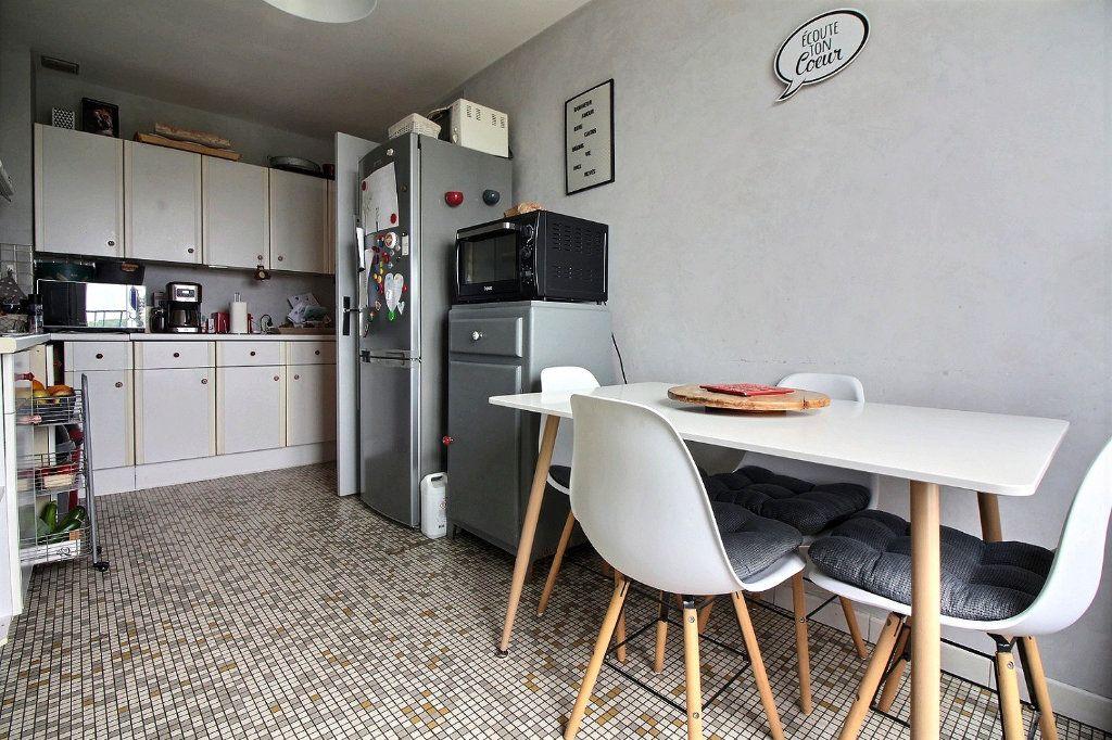 Appartement à vendre 4 75.41m2 à Chevigny-Saint-Sauveur vignette-3