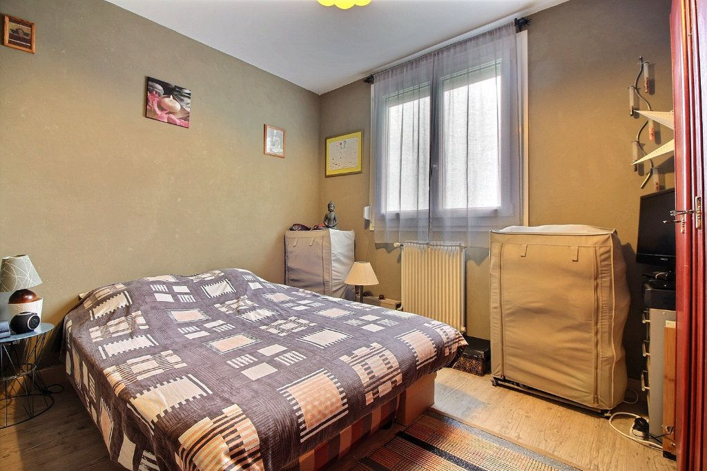 Appartement à vendre 4 75.41m2 à Chevigny-Saint-Sauveur vignette-5