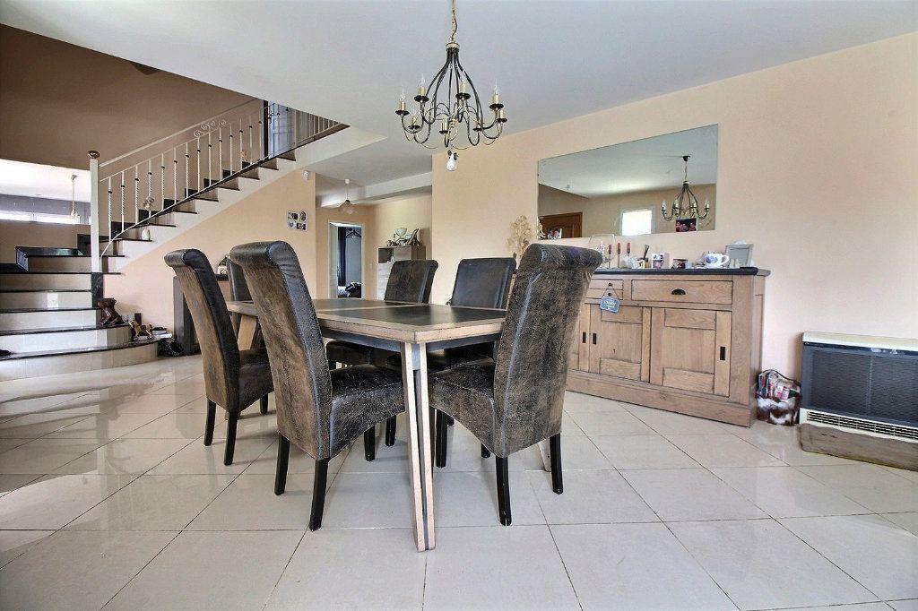 Maison à vendre 8 193m2 à Dijon vignette-3