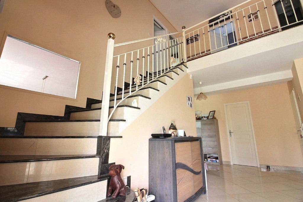 Maison à vendre 8 193m2 à Dijon vignette-6