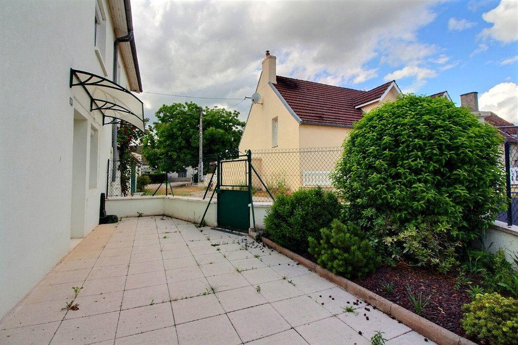 Maison à vendre 4 111.24m2 à Genlis vignette-2