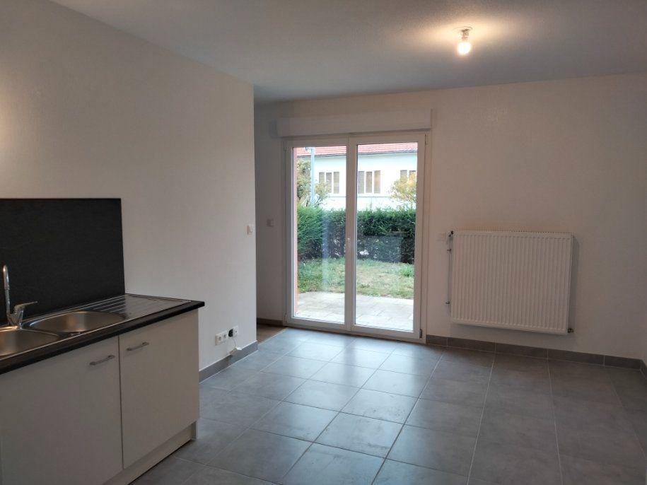 Appartement à louer 1 33m2 à Thionville vignette-8