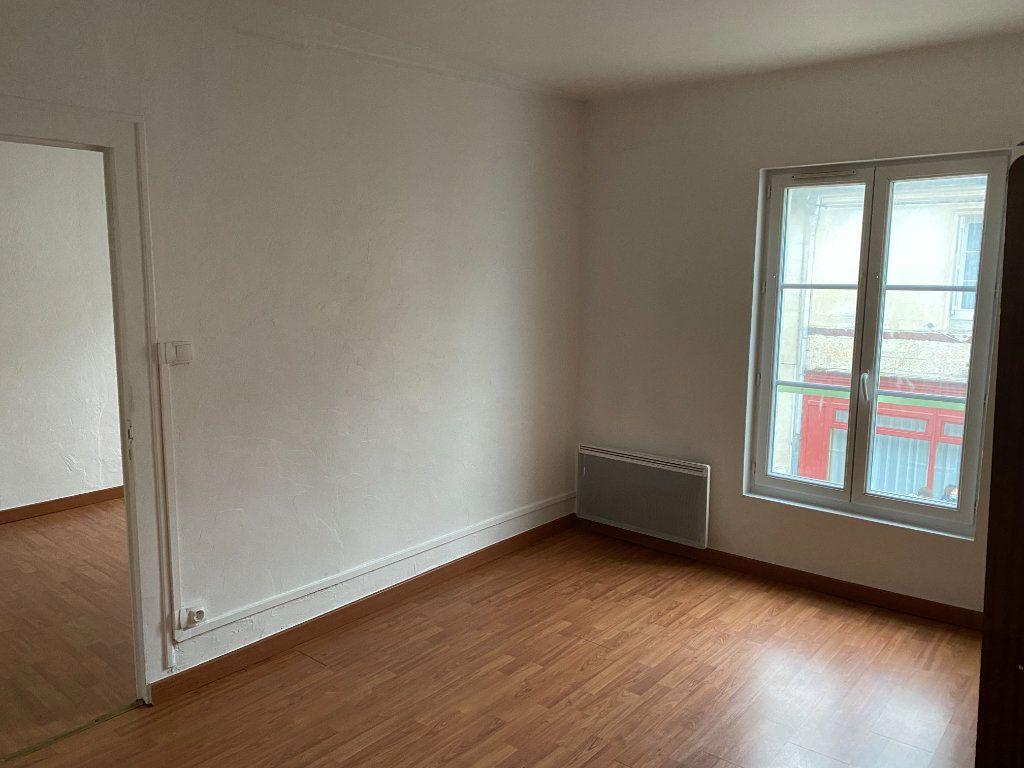 Appartement à louer 2 31.6m2 à Montoire-sur-le-Loir vignette-1