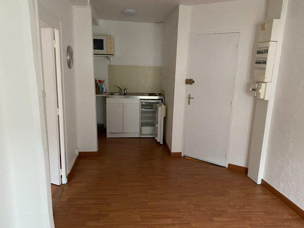 Appartement à louer 2 31.6m2 à Montoire-sur-le-Loir vignette-3