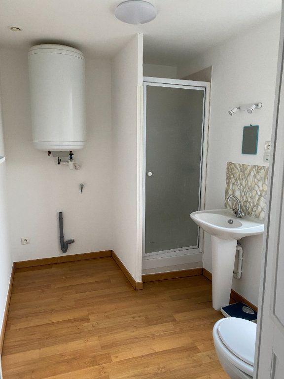 Appartement à louer 2 31.6m2 à Montoire-sur-le-Loir vignette-4