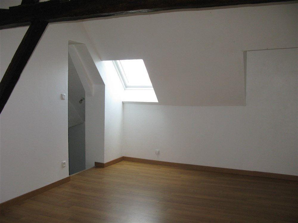 Appartement à louer 2 29.83m2 à Montoire-sur-le-Loir vignette-1