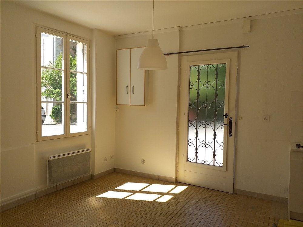 Maison à louer 2 34.85m2 à Montoire-sur-le-Loir vignette-2