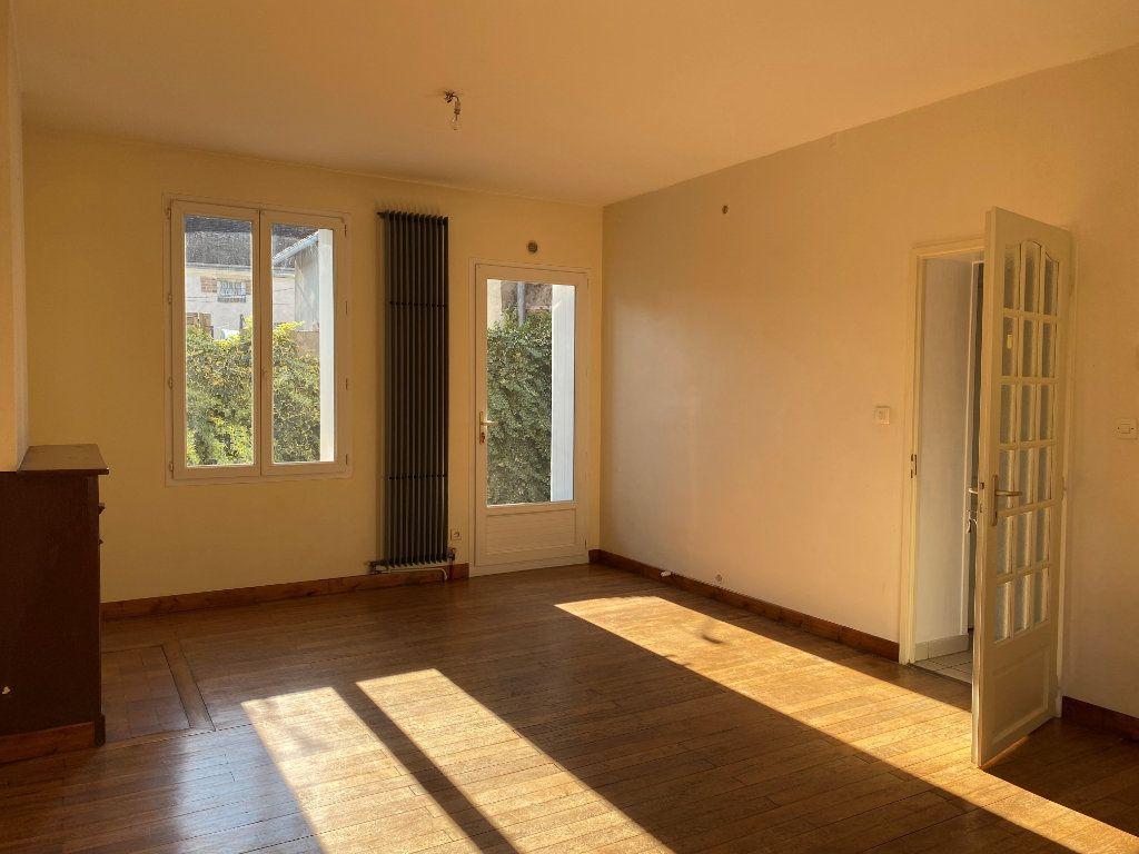 Maison à louer 3 74.44m2 à Château-Renault vignette-2