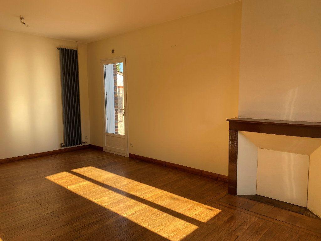 Maison à louer 3 74.44m2 à Château-Renault vignette-3