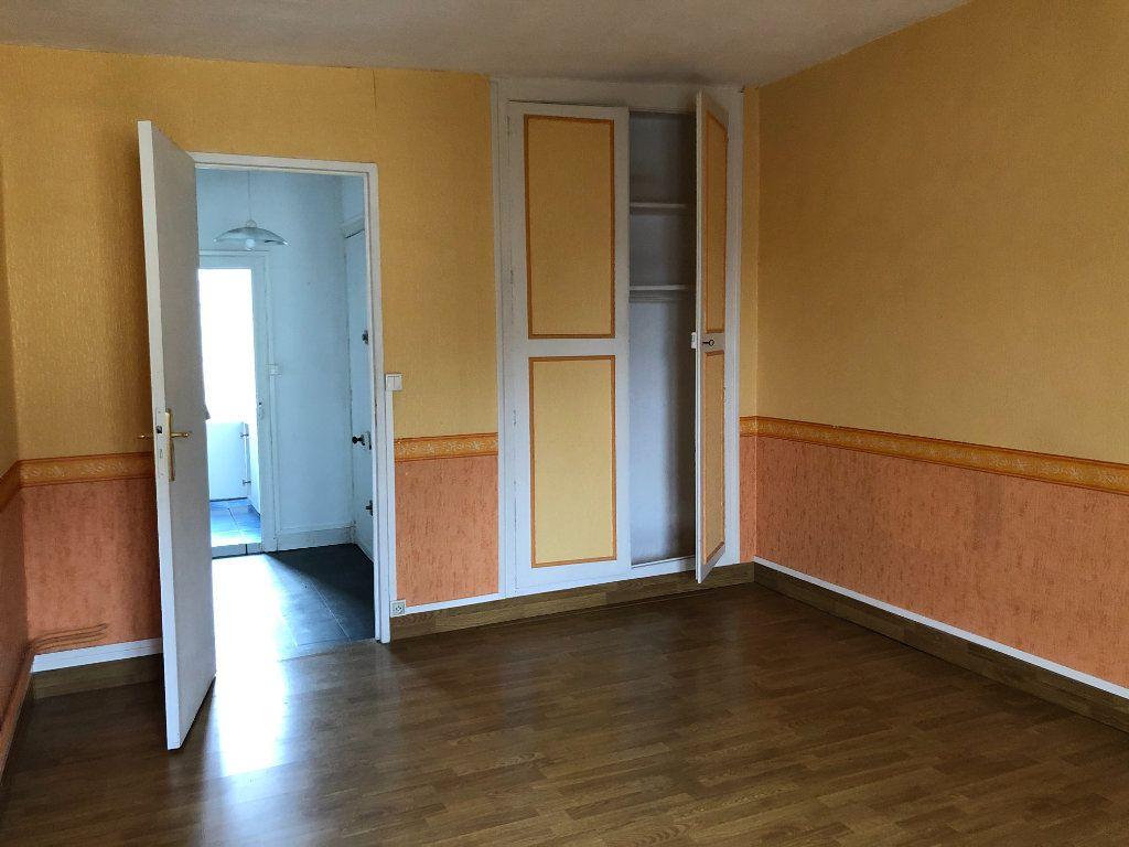 Appartement à louer 2 51.29m2 à Château-Renault vignette-3