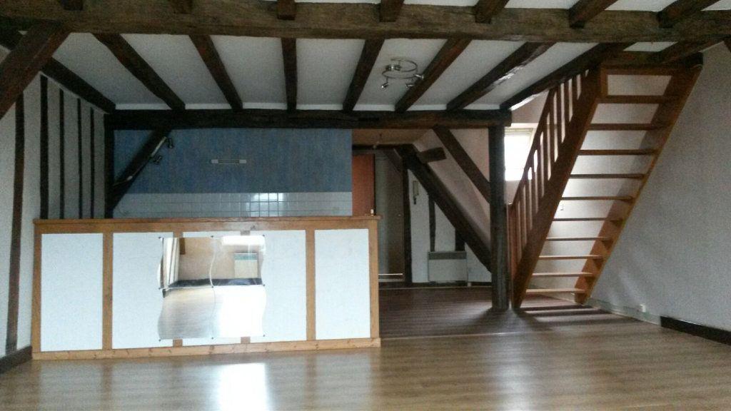 Appartement à louer 3 63.85m2 à Château-Renault vignette-1