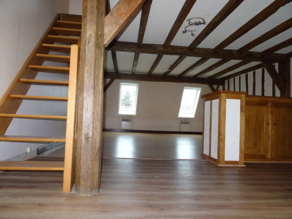 Appartement à louer 3 63.85m2 à Château-Renault vignette-2