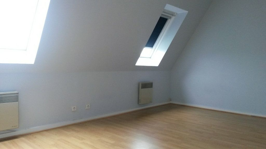 Appartement à louer 3 63.85m2 à Château-Renault vignette-3