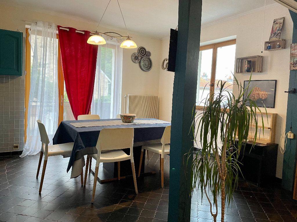 Maison à vendre 5 115m2 à Frotey-lès-Vesoul vignette-6
