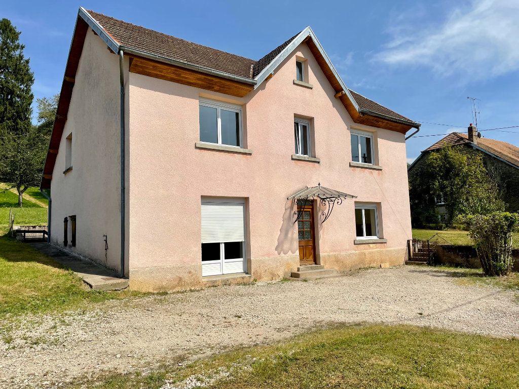 Maison à louer 6 163m2 à Fontenois-lès-Montbozon vignette-1