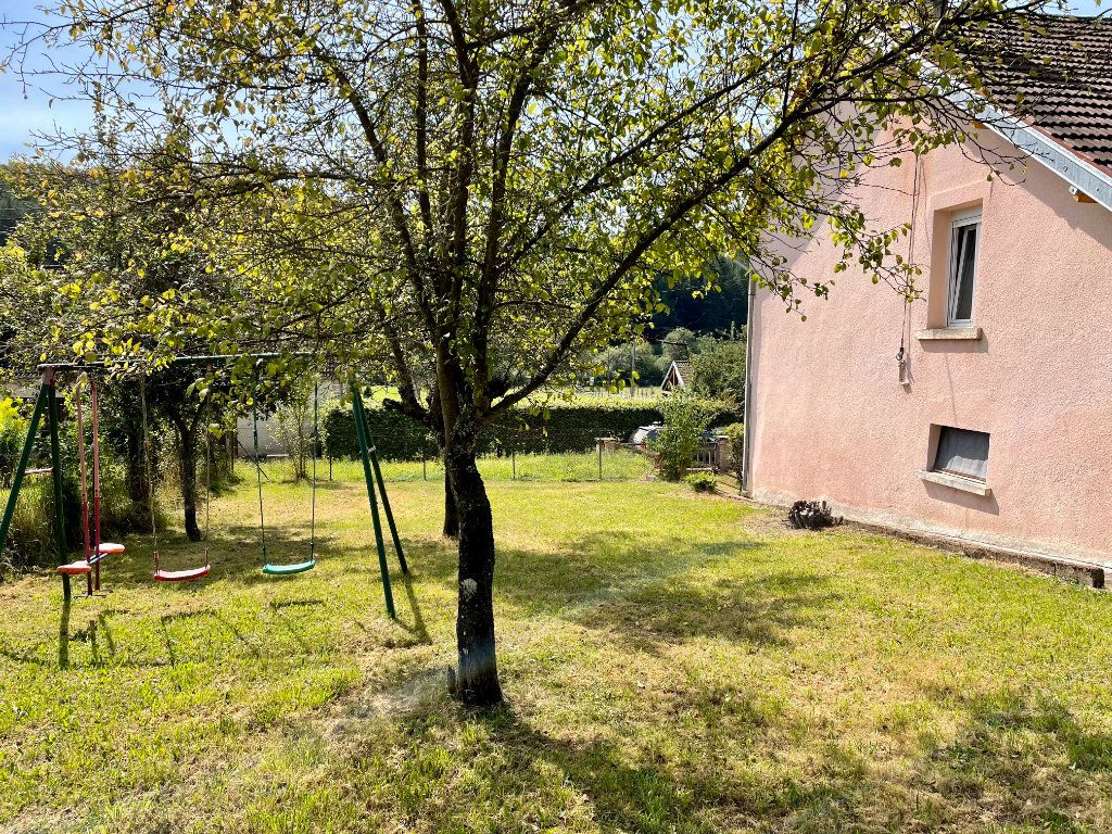 Maison à louer 6 163m2 à Fontenois-lès-Montbozon vignette-2
