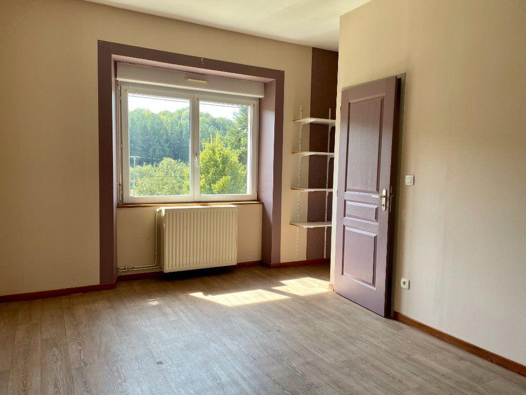 Maison à louer 6 163m2 à Fontenois-lès-Montbozon vignette-7