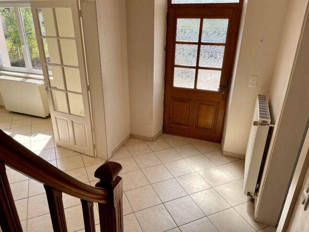 Maison à louer 6 163m2 à Fontenois-lès-Montbozon vignette-12