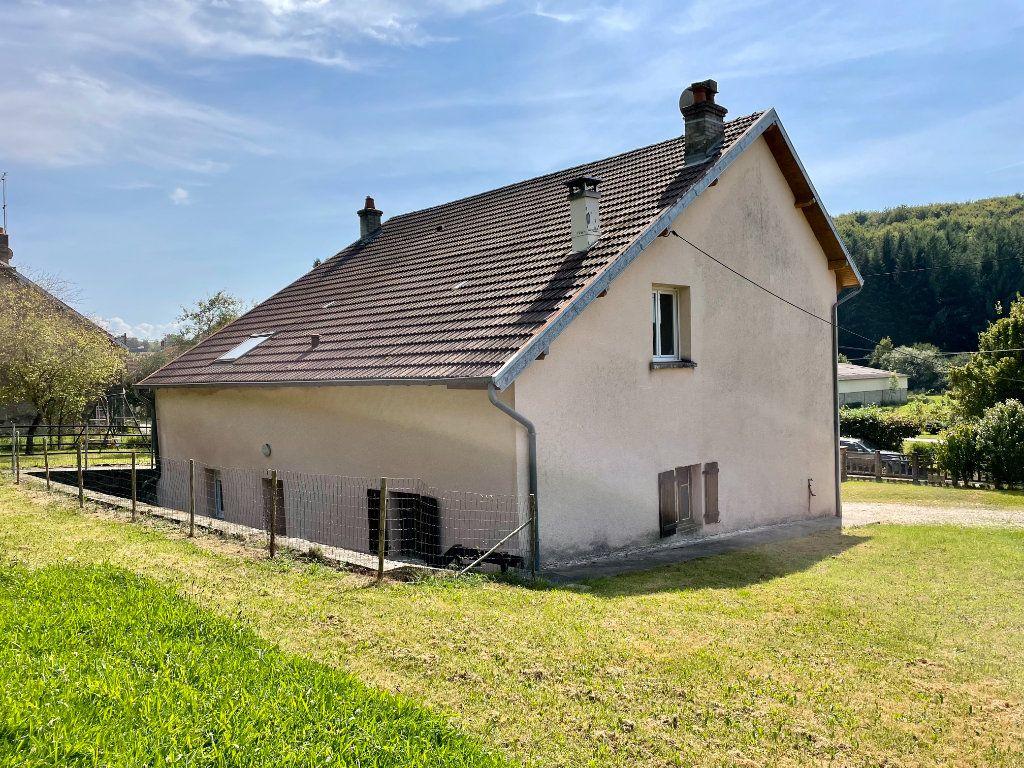 Maison à louer 6 163m2 à Fontenois-lès-Montbozon vignette-13