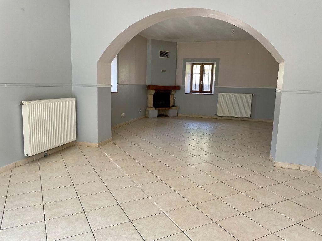 Maison à louer 6 163m2 à Fontenois-lès-Montbozon vignette-15