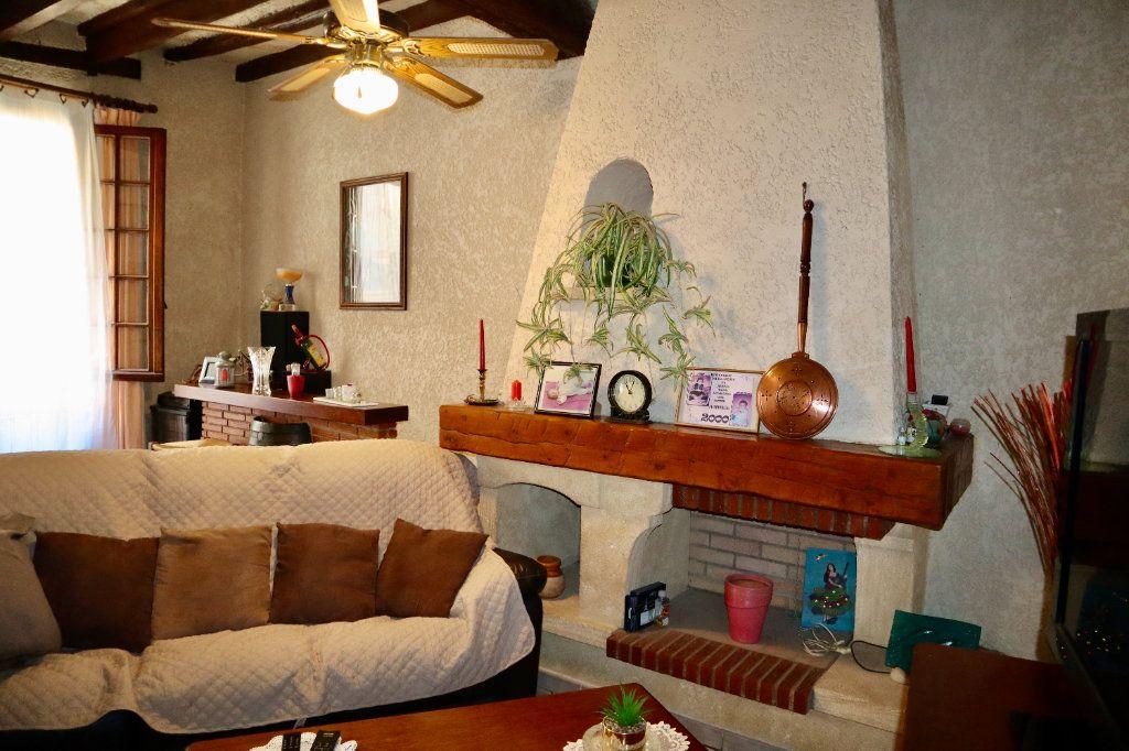 Maison à vendre 6 180m2 à Beaucaire vignette-2