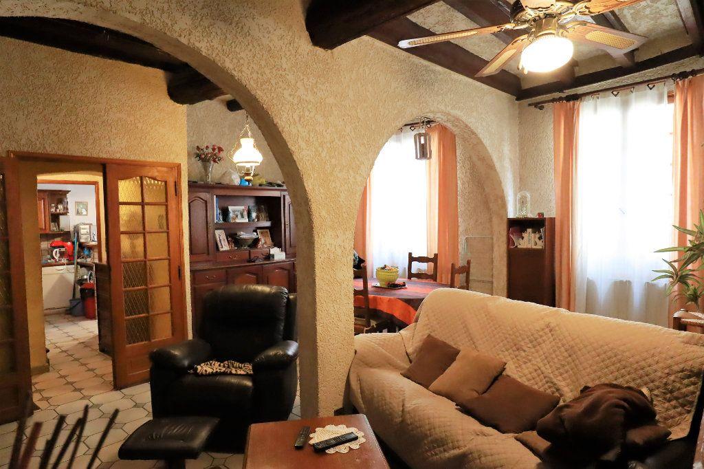 Maison à vendre 6 180m2 à Beaucaire vignette-3