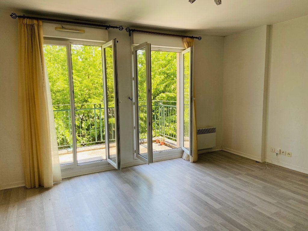 Appartement à louer 2 37.98m2 à Noisy-le-Grand vignette-1