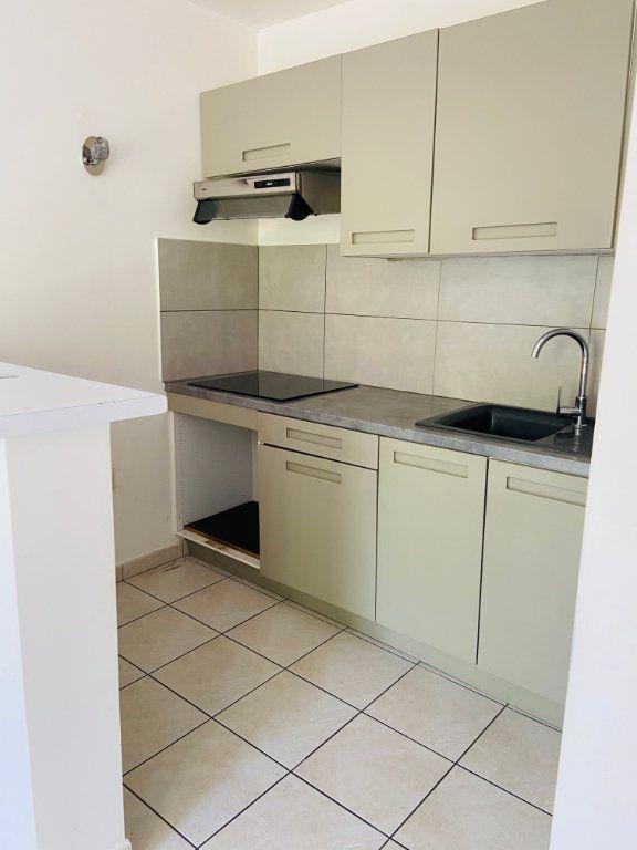 Appartement à louer 2 37.98m2 à Noisy-le-Grand vignette-2
