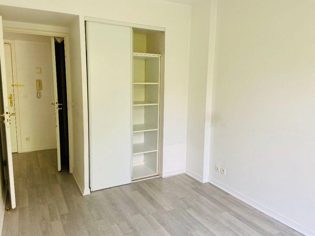 Appartement à louer 2 37.98m2 à Noisy-le-Grand vignette-5