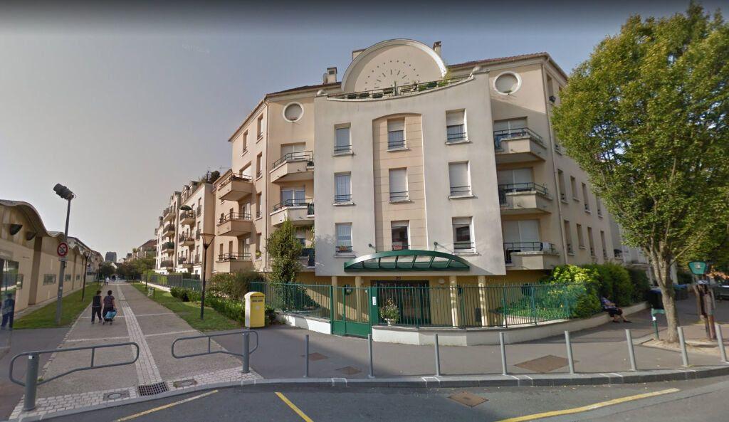 Appartement à louer 2 47m2 à Noisy-le-Grand vignette-1