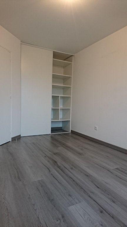 Appartement à louer 2 44.35m2 à Noisy-le-Grand vignette-4